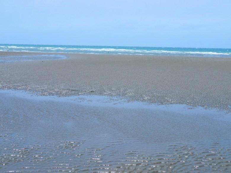 西海岸   藍海與沙灘   苑港觀光漁港秘境海灘   ユエンリー   ミアオリー   巡日旅行攝