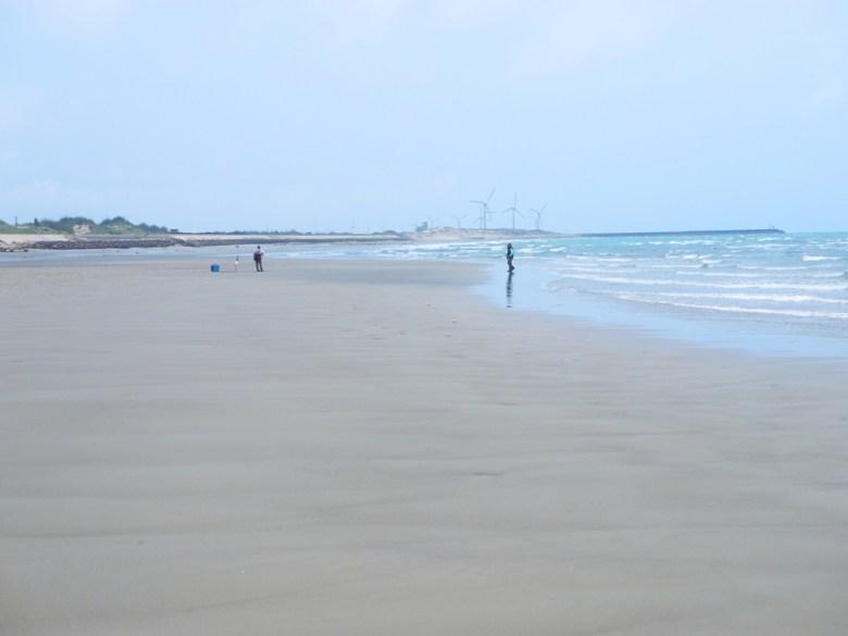 陽光藍天藍海   台灣旅人   沿岸風機   私房景點   ユエンリー   ミアオリー   RoundtripJp