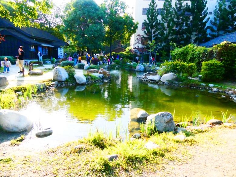 廣大的日式庭園   絕美的日式池塘   網美景點   隨手一拍都是滿滿日本味   Hinoki Village   とう-く   かぎし   巡日旅行攝