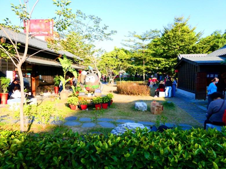 已轉型為觀光用途的日式宿舍群   藍天草皮綠地日式建築   適合親子旅遊   台灣旅人   Hinoki Village   とう-く   かぎし   巡日旅行攝