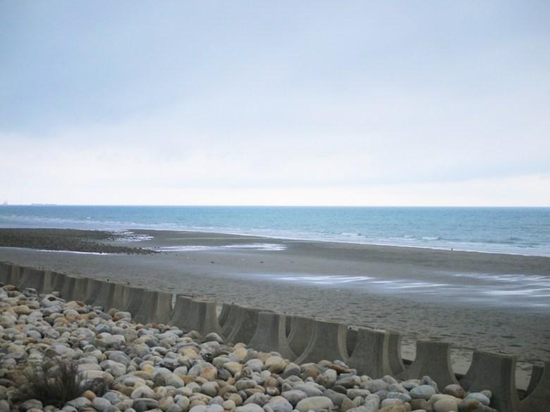 沙灘 | 藍海 | 秘境 | 濱海小鎮 | 觀海步道 | 新埔 | 苗栗 | シンプー | ミアオリー | RoundtripJp