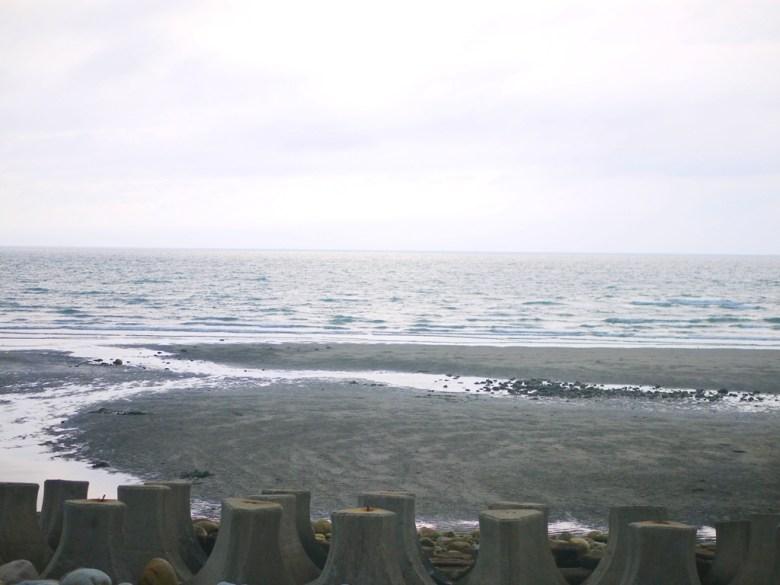 沙灘 | 令人心曠神怡的大海 | 海邊放鬆走走 | 新埔 | 苗栗 | シンプー | ミアオリー | RoundtripJp