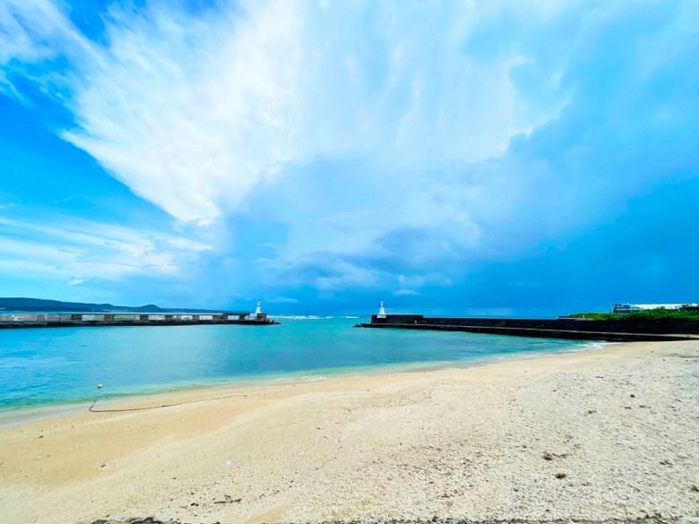 米白色的沙灘 | 漸層的大海 | 藍天白雲 | ホンチュン | ピンドンけん | Hengchun | Pingtung | 和風臺灣 | 巡日旅行攝 | RoundtripJp