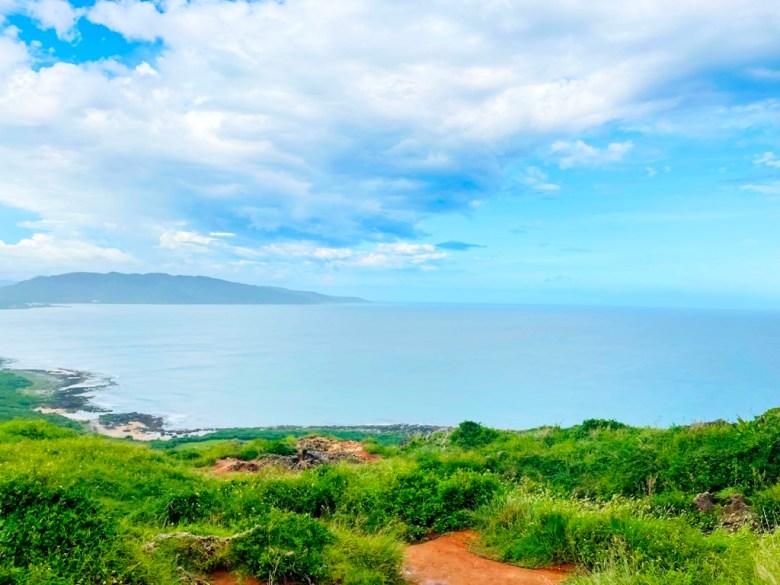 藍海   青空   綠草   黃土   ホンチュン   ピンドンけん   Hengchun   Pingtung   Wafu Taiwan   巡日旅行攝   RoundtripJp