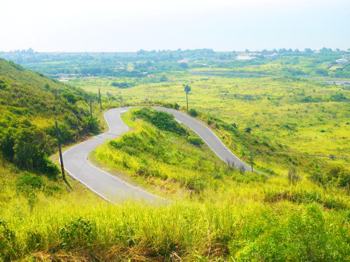 從進階版觀賞位置所看到的心形公路 | 毫無遮掩 | 絕美的心形公路一覽無遺 トンシャオ | ミアオリー | | Wafu Taiwan | 巡日旅行攝 | RoundtripJp