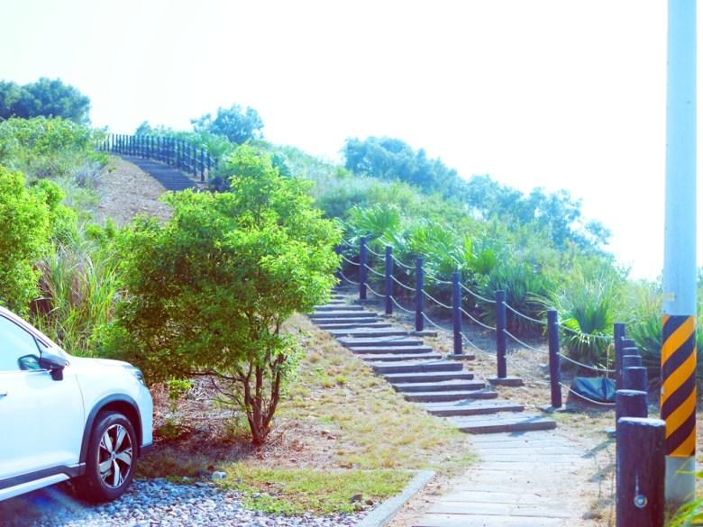 嶺頂瞭望臺停車場兩側步道   通往山下   免費停車場   Tongxiao   Miaoli   和風臺灣   巡日旅行攝   RoundtripJp