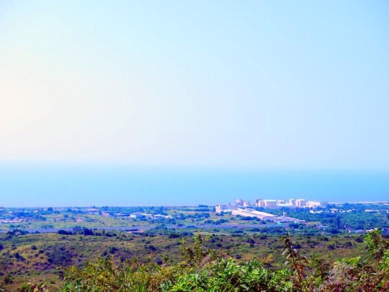嶺頂福德祠望出海景   山頂上的廟   台灣傳統信仰文化   トンシャオ   ミアオリー   Wafu Taiwan   巡日旅行攝   RoundtripJp