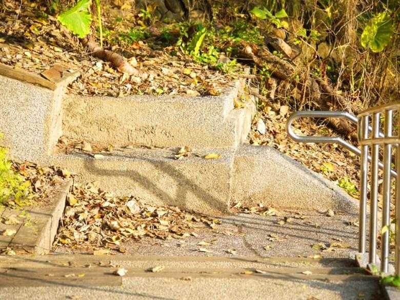 神社基座前   已不存在的神社   苗栗稻荷神社遺跡好漢坡   びょうりつし   ミアオリー   Wafu Taiwan   巡日旅行攝   RoundtripJp