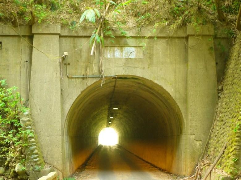 黑暗隧道 | 長青隧道兩隧道中間橋梁 | 單向隧道 | 草屯 | 南投 | Caotun | Nantou | Wafu Taiwan | 巡日旅行攝 | RoundtripJp