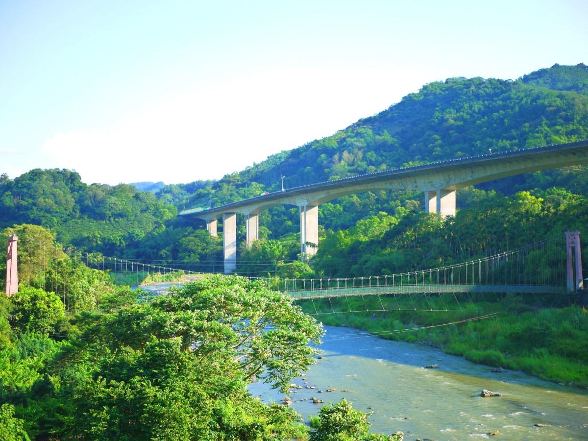 國道6號水沙連高速公路下的絕美秘境吊橋 | 斗山吊橋 | Dosang Suspension Bridge | 南港溪 | 國姓 | 南投 | Guoxing | Nantou | Wafu Taiwan | 巡日旅行攝 | RoundtripJp