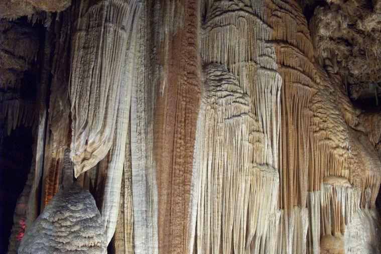 cave-1436498_1920