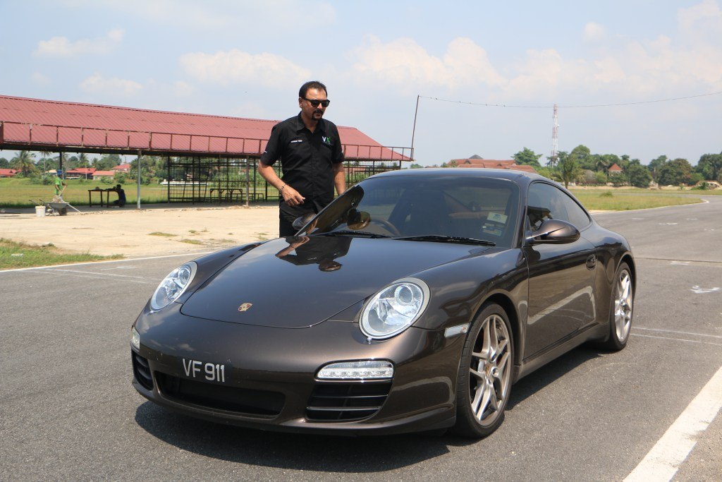 The Porsche 997 Carrera S we tested on Dato Sagor puts out 380bhp and 420Nm. An XC60 puts out more horsepower and torque.