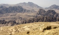 we are getting closer to Wadi Rum