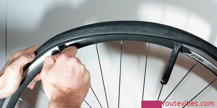 How to Change an Inner Tube on a Road Bike