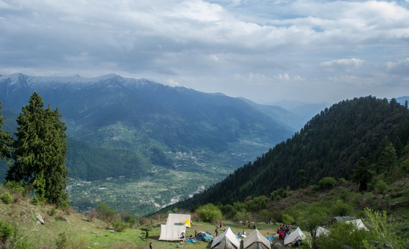 camping at saurkundi pass