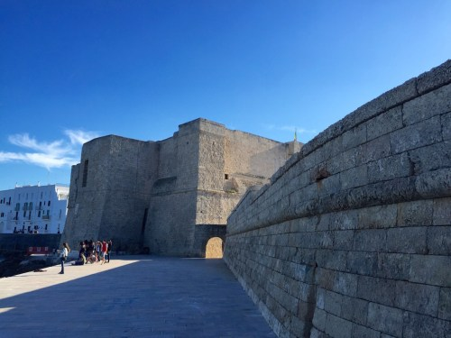 Monopoli's huge walls