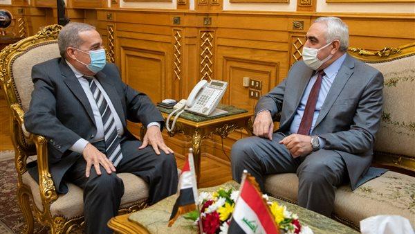 لقاء وزير الانتاج الحربي بالسفي العراقي بالقاهرة