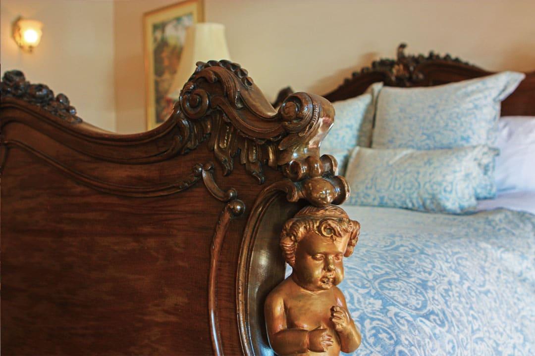 inn-bed-2