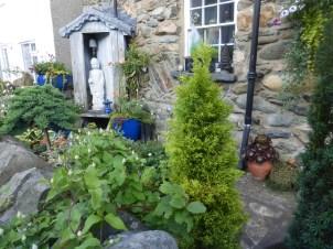 Peaceful garden at Cricieth
