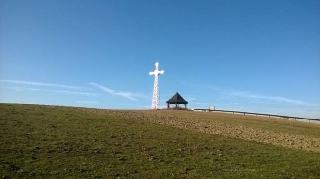 Krzyż Milenijny i wiata widokowa na Litwince