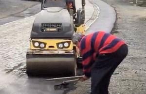 kibic walczy z asfaltowaniem odcinków bruku we Flandrii