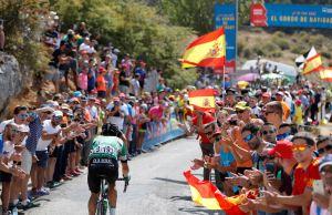kibice na trasie Vuelta a Espana