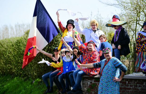 kibice z flagą Francji