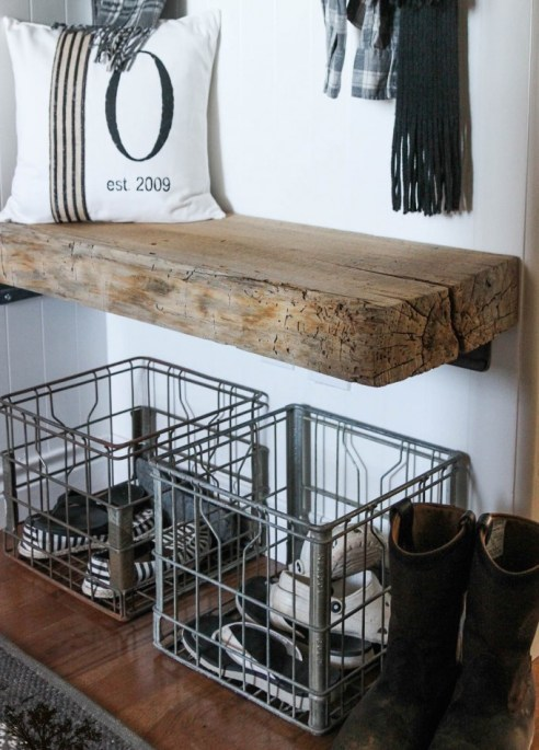 Flip-flops, sneakers and work shoes will fit great into wire baskets like these!