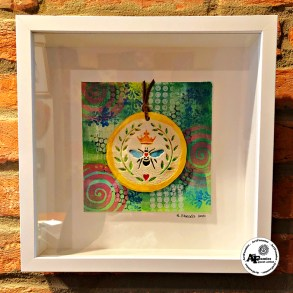 Rowhouse Greetings | Queen Bee by ArtFoamies