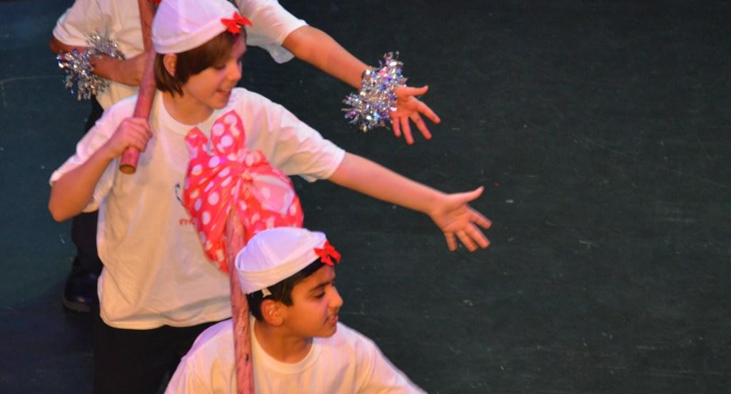 "French performance of ""Voyage Voyage"""