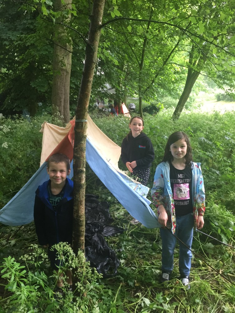Young Friends of Rowntree Park den building