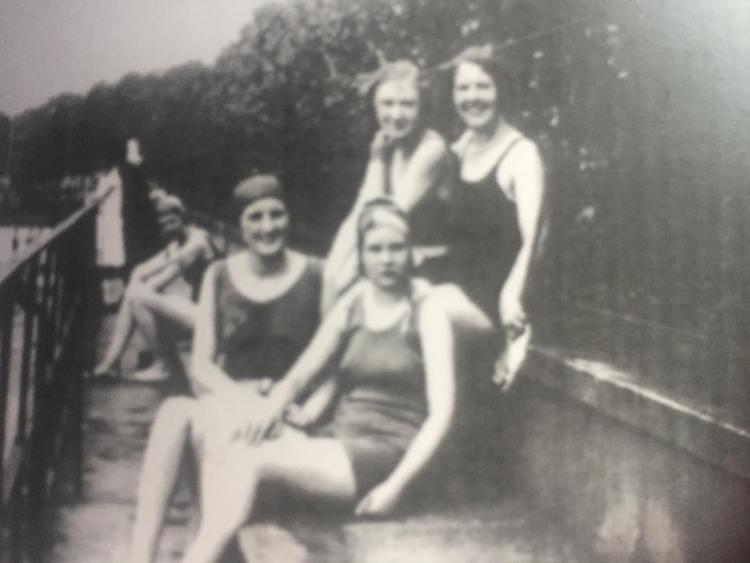 Rowntree Park swimming pool