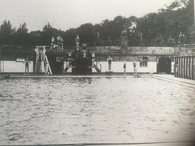 Rowntree Park swimming pool 1940s