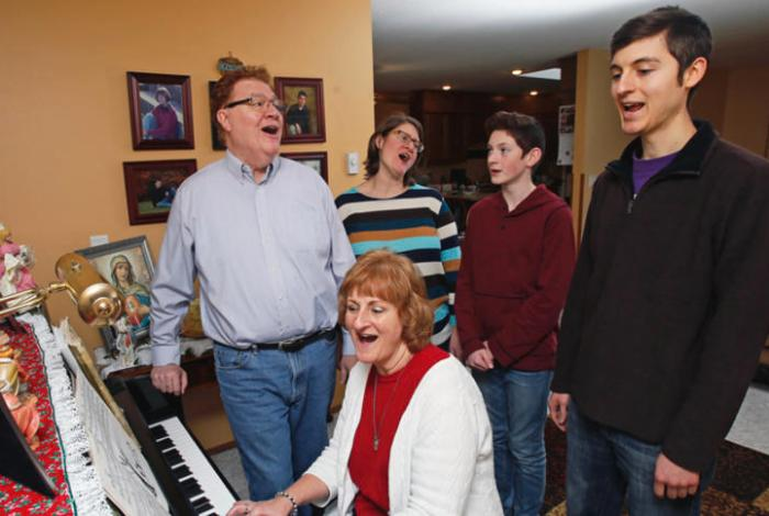 Faith Conversations: Klocke family keeps caroling tradition alive