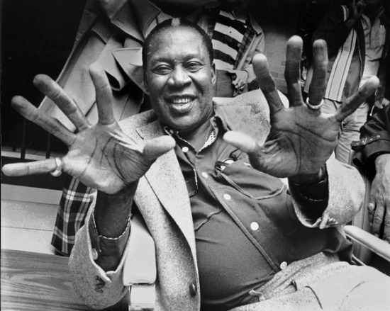 Memphis Slim went on No1 with Messin Around