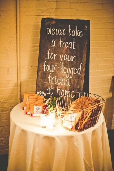 https://www.wedding-venues.co.uk/wedding-ideas/2016/17-reasons-why-your-dog-should-be-at-your-wedding