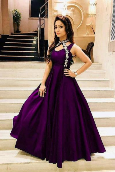 luxurious-look-with-violet-taffeta-satin-thread-work-gown es