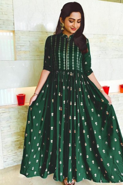 green-color-heavy-rayon-print-party-wear-kurti-with-high-quality-zip