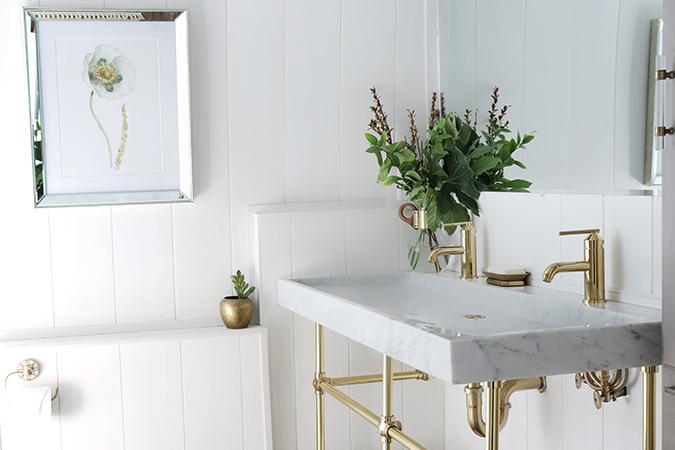 renovated my bathroom using shiplap