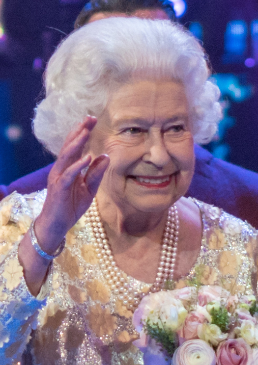 The Queen marks end of an era with reception at Buckingham Palace