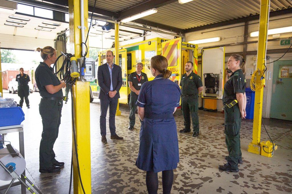 Герцог Кембриджский посетил в Норфолке бригаду скорой помощи
