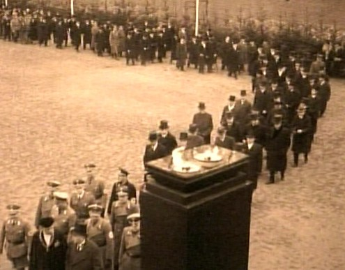 Part of the long procession on 10 February 1939 at the funeral of Sir Henri Deterding, a founder of  the Royal Dutch Shell Group who became an ardent Nazi.