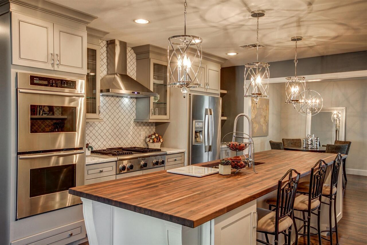 J Amp K Cabinetry Pearl Maple Glaze Royal Kitchen And Flooring