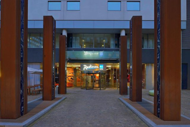 Radisson blu hotel Liverpool entrance