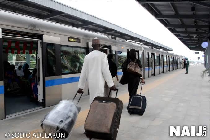 Wow... FG begins free train ride from Lagos to Ibadan