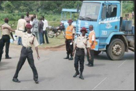 Sango worshippers perform rites on 3 Road Safety Officers killed by thunder strike