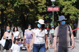 French premier calls for obligatory outdoor mask wearing in Paris