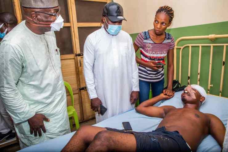 Gov Abdulrazaq visits victim of #EndSARS protest in hospital