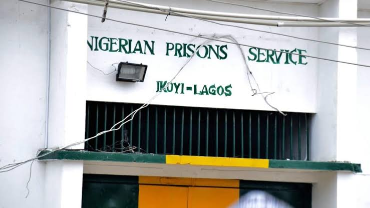 BREAKING.... SUSPECTED MISCREANTS ATTACK IKOYI PRISON