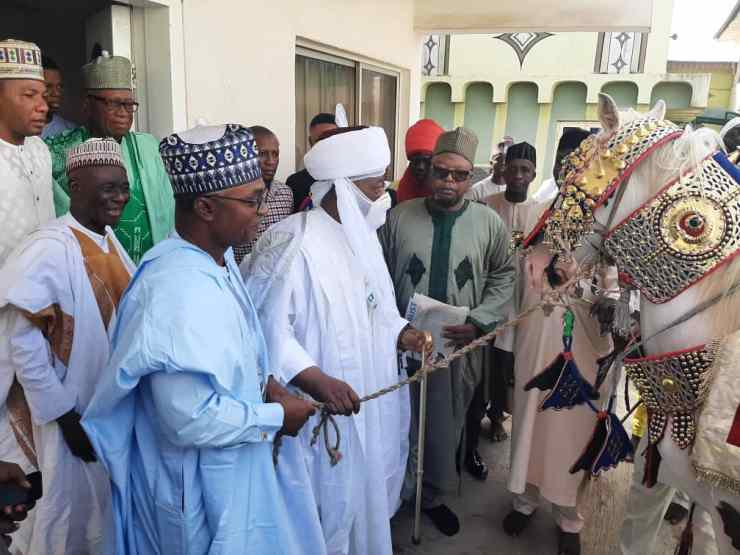 Emir Sulu-Gambari receives 25yrs coronation anniversary gift from KAM Holding boss (PHOTOS+VIDEO)